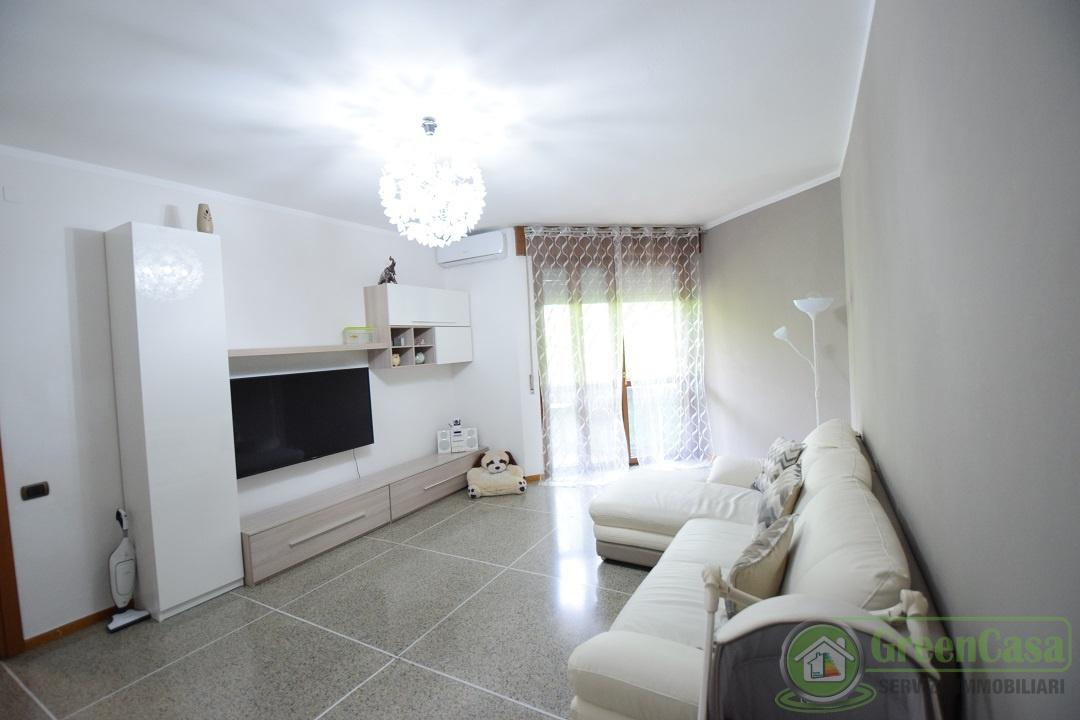 Appartamento ristrutturato in vendita Rif. 10261196