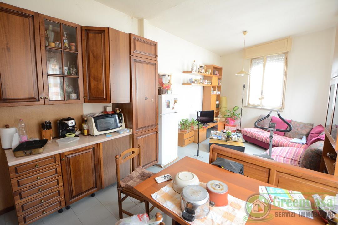 Appartamento in buone condizioni in vendita Rif. 12169842