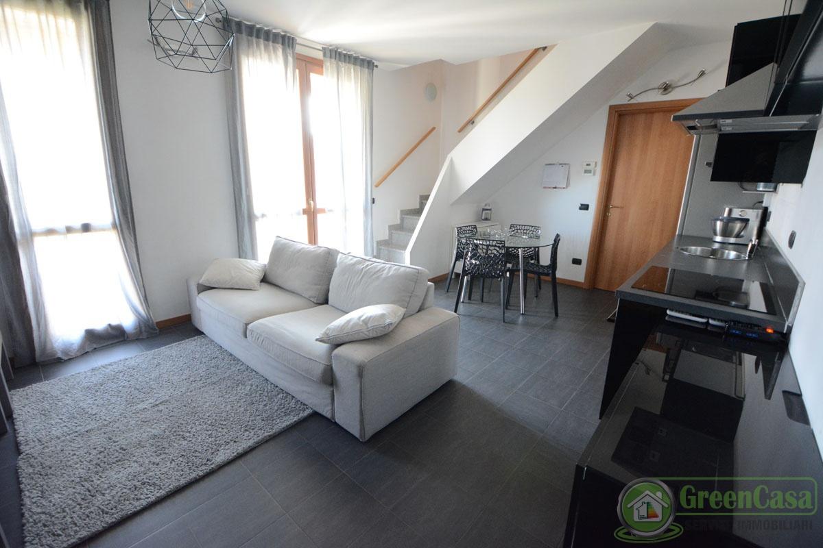 Appartamento in vendita a Cavenago di Brianza, 3 locali, prezzo € 169.000 | PortaleAgenzieImmobiliari.it