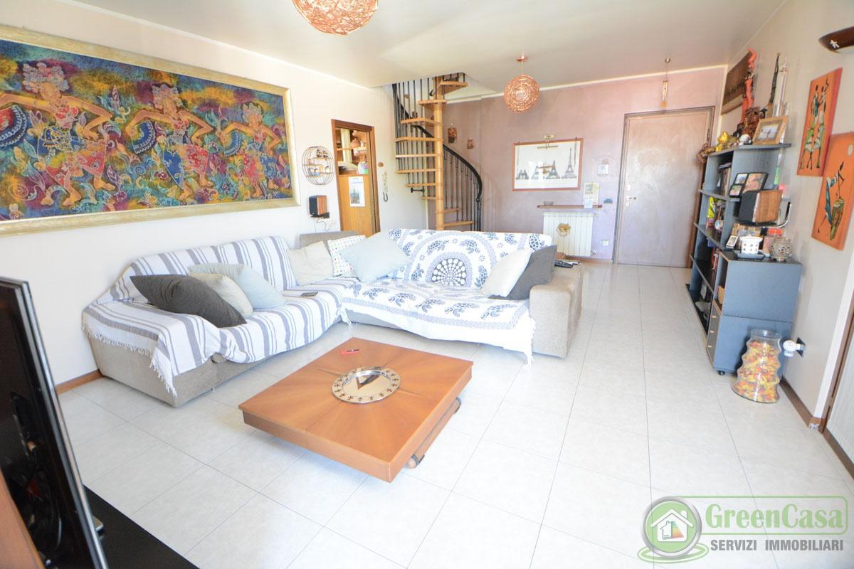 Appartamento in vendita a Cavenago di Brianza, 4 locali, prezzo € 221.000 | PortaleAgenzieImmobiliari.it