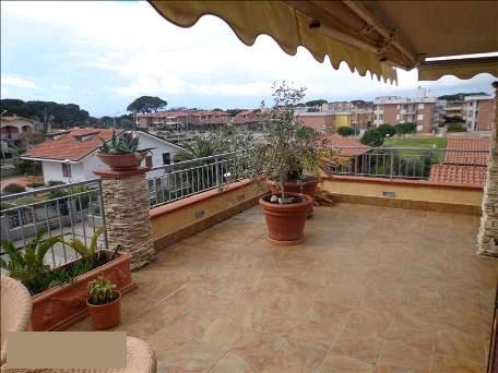 Appartamento in vendita a Follonica, 4 locali, zona Località: GENERICA, prezzo € 700.000 | Cambio Casa.it