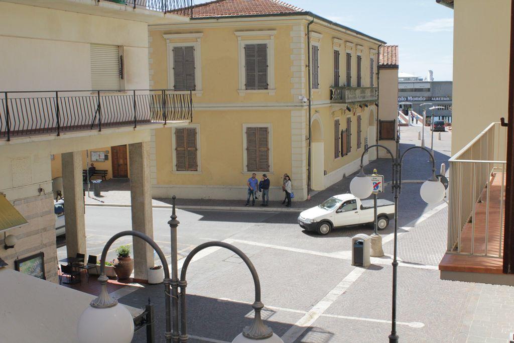 Bilocale Follonica Via Roma 1