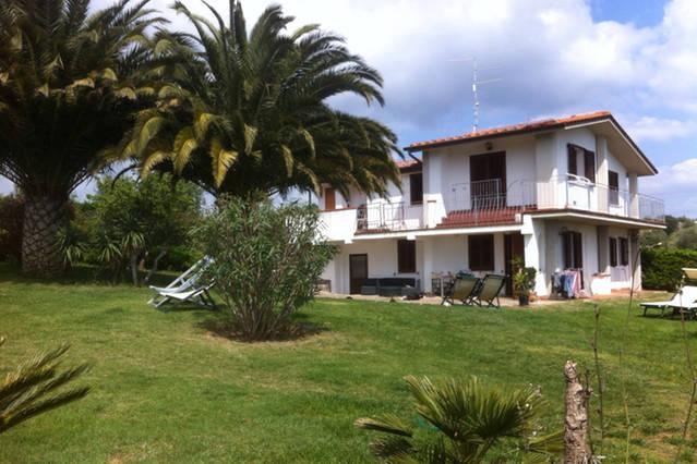 Villa in vendita a Follonica, 6 locali, zona Località: GENERICA, prezzo € 580.000 | Cambio Casa.it