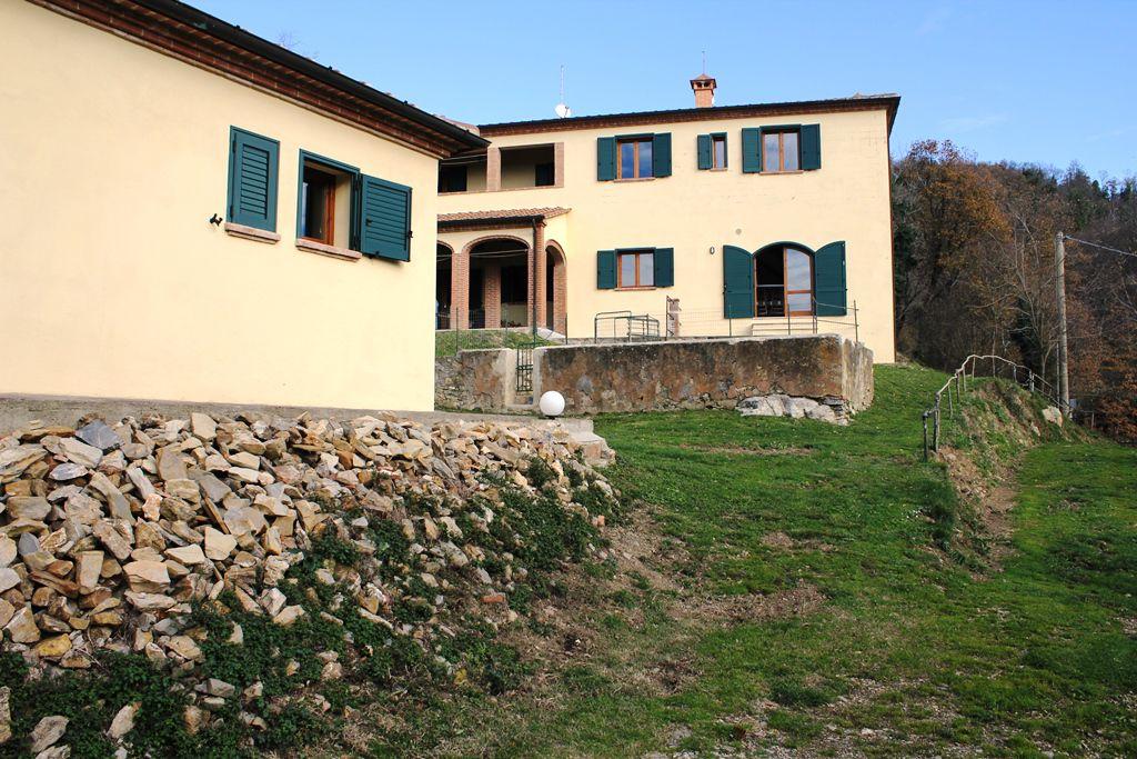 Rustico / Casale in vendita a Massa Marittima, 13 locali, Trattative riservate | Cambio Casa.it