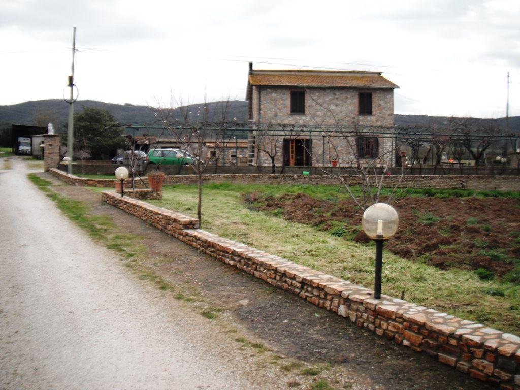 Rustico / Casale da ristrutturare in vendita Rif. 4777764