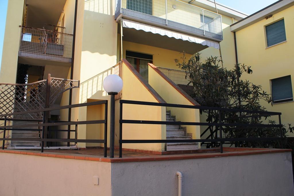 Appartamento in vendita a Scarlino, 6 locali, Trattative riservate | CambioCasa.it