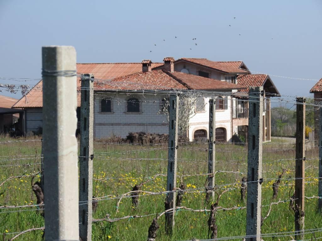 Azienda Agricola in vendita a Vigolzone, 10 locali, Trattative riservate | CambioCasa.it