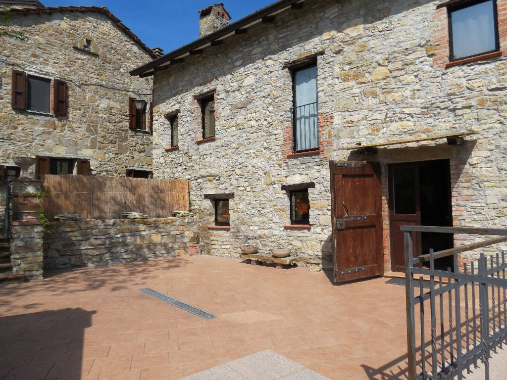 Rustico / Casale in vendita a Coli, 5 locali, prezzo € 190.000   CambioCasa.it
