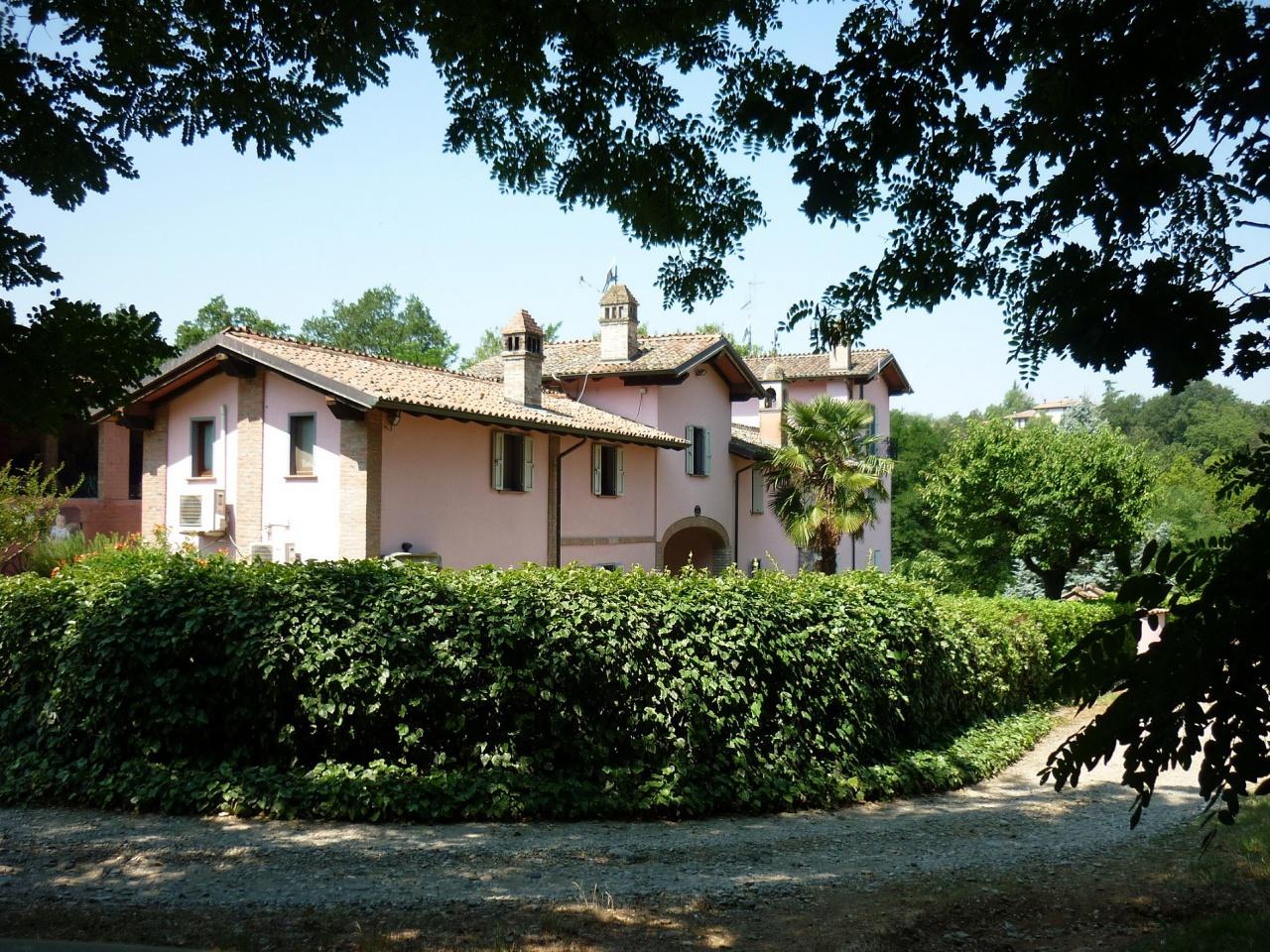 Rustico / Casale in vendita a San Giorgio Piacentino, 8 locali, prezzo € 1.800.000 | CambioCasa.it