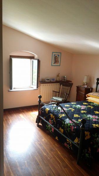 Appartamento in vendita a Vaiano, 4 locali, zona Località: VAIANO, prezzo € 185.000 | Cambio Casa.it