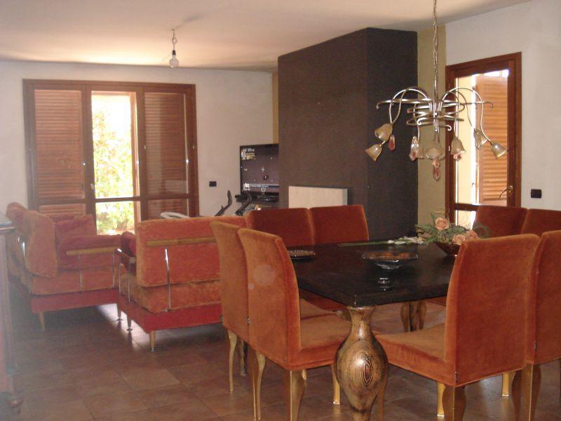 Villa in vendita a Vaiano, 5 locali, zona Località: vaiano, prezzo € 385.000 | Cambio Casa.it
