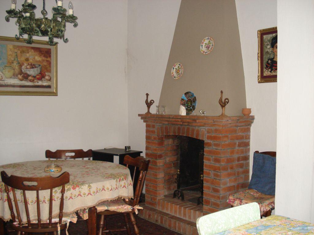 Soluzione Indipendente in vendita a Vernio, 4 locali, zona Località: VERNIO, prezzo € 45.000 | Cambio Casa.it