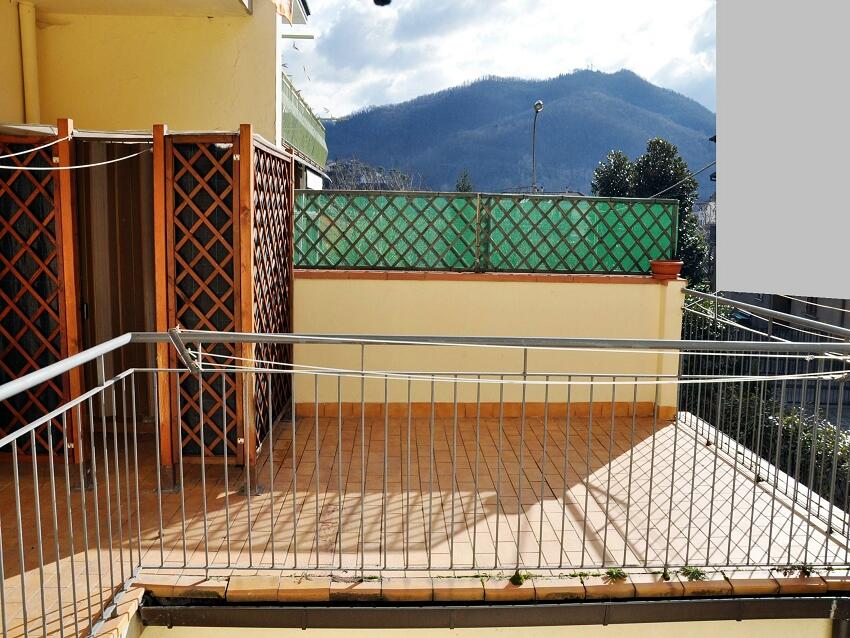 Appartamento in vendita a Vernio, 4 locali, zona Zona: Mercatale, prezzo € 100.000 | Cambio Casa.it