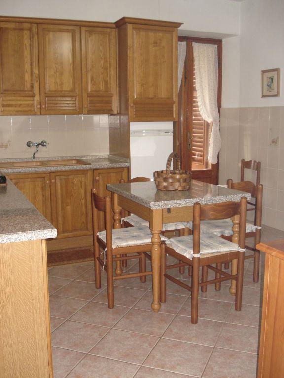 Soluzione Indipendente in vendita a Vaiano, 4 locali, zona Zona: La Briglia, prezzo € 160.000   Cambio Casa.it