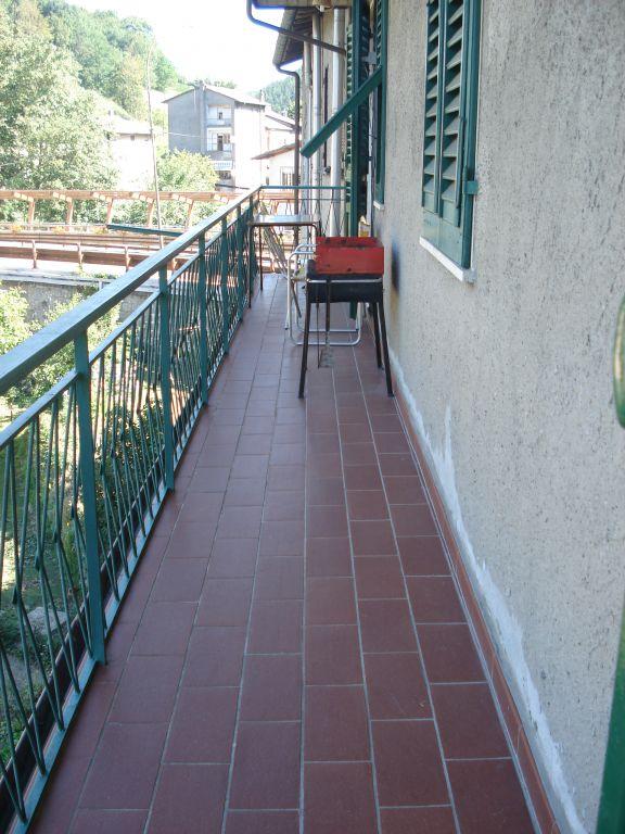 Appartamento in vendita a Vernio, 4 locali, zona Zona: Montepiano, prezzo € 82.000 | Cambio Casa.it