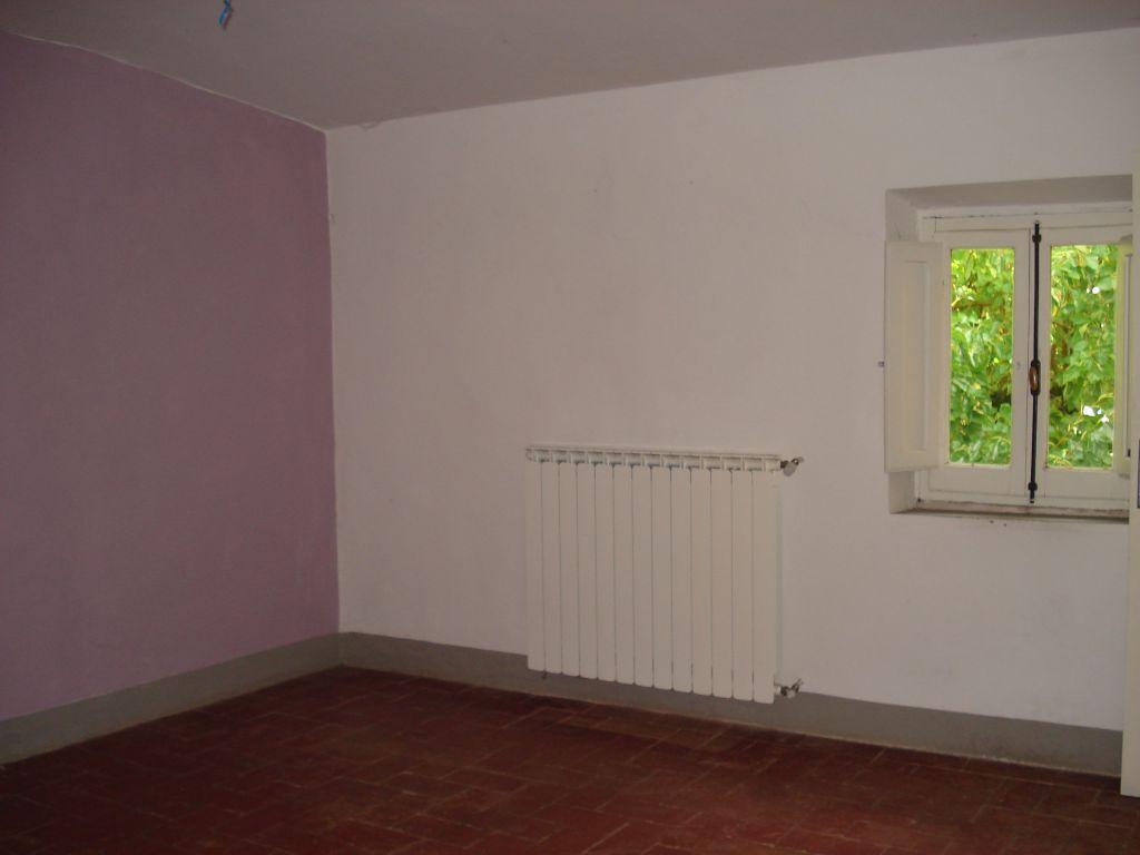 Soluzione Indipendente in affitto a Vaiano, 4 locali, zona Località: VAIANO, prezzo € 600 | Cambio Casa.it