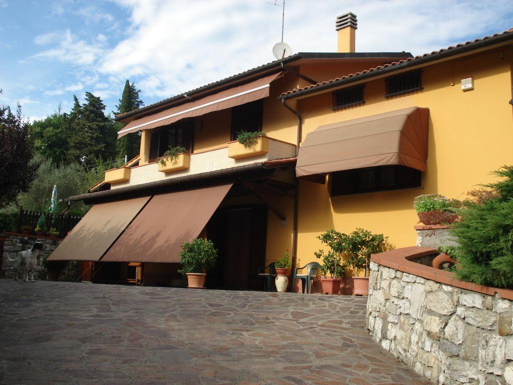 Villa in vendita a Vaiano, 5 locali, prezzo € 600.000 | CambioCasa.it