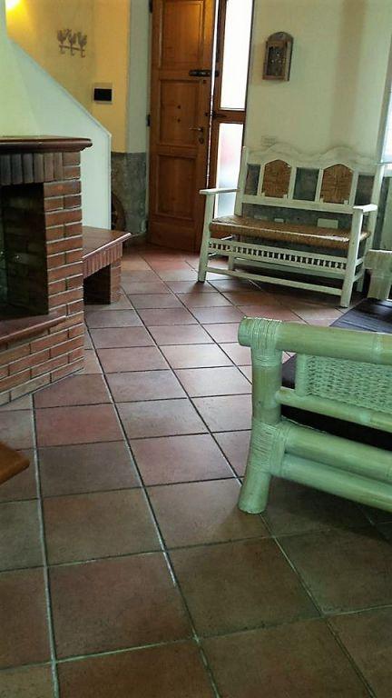 Soluzione Indipendente in vendita a Vaiano, 4 locali, prezzo € 139.000 | Cambio Casa.it