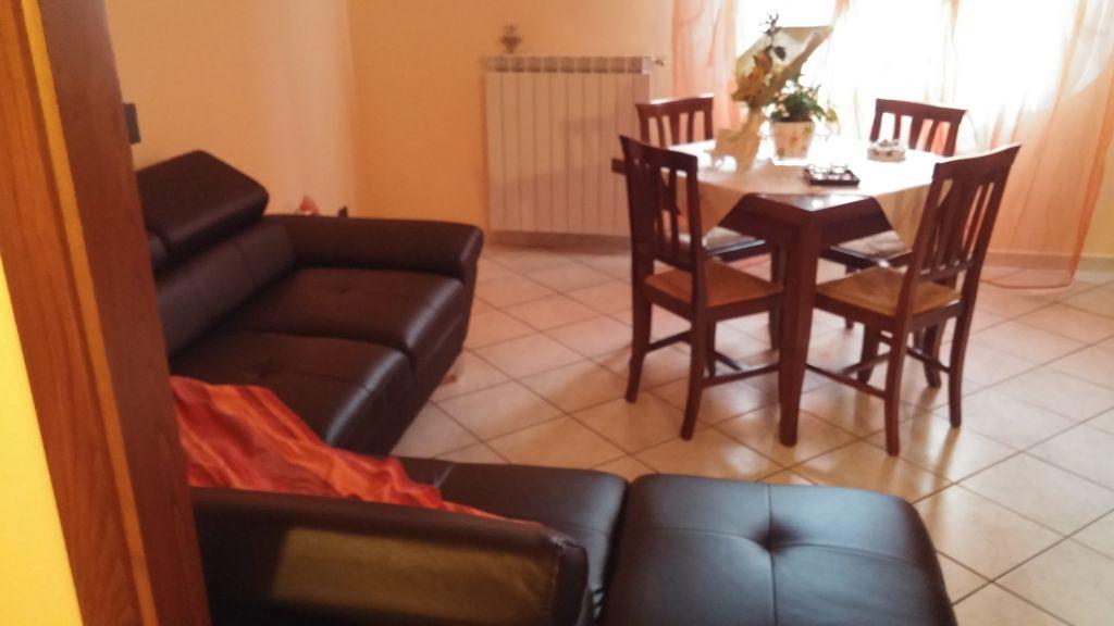 Appartamento in vendita a Vernio, 4 locali, prezzo € 98.000 | Cambio Casa.it