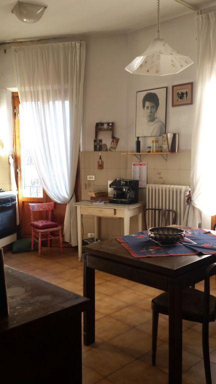 Appartamento in vendita a Vernio, 3 locali, zona Zona: Mercatale, prezzo € 69.000 | Cambio Casa.it