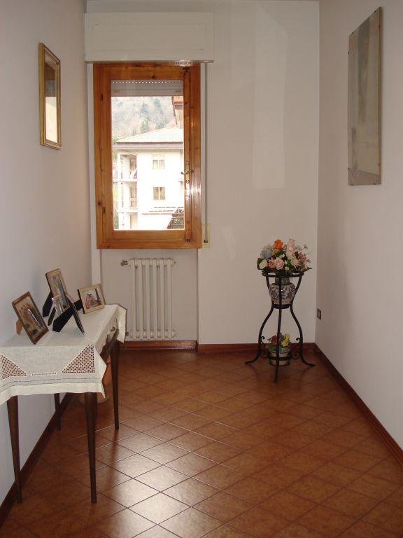 Appartamento in buone condizioni in vendita Rif. 8931322