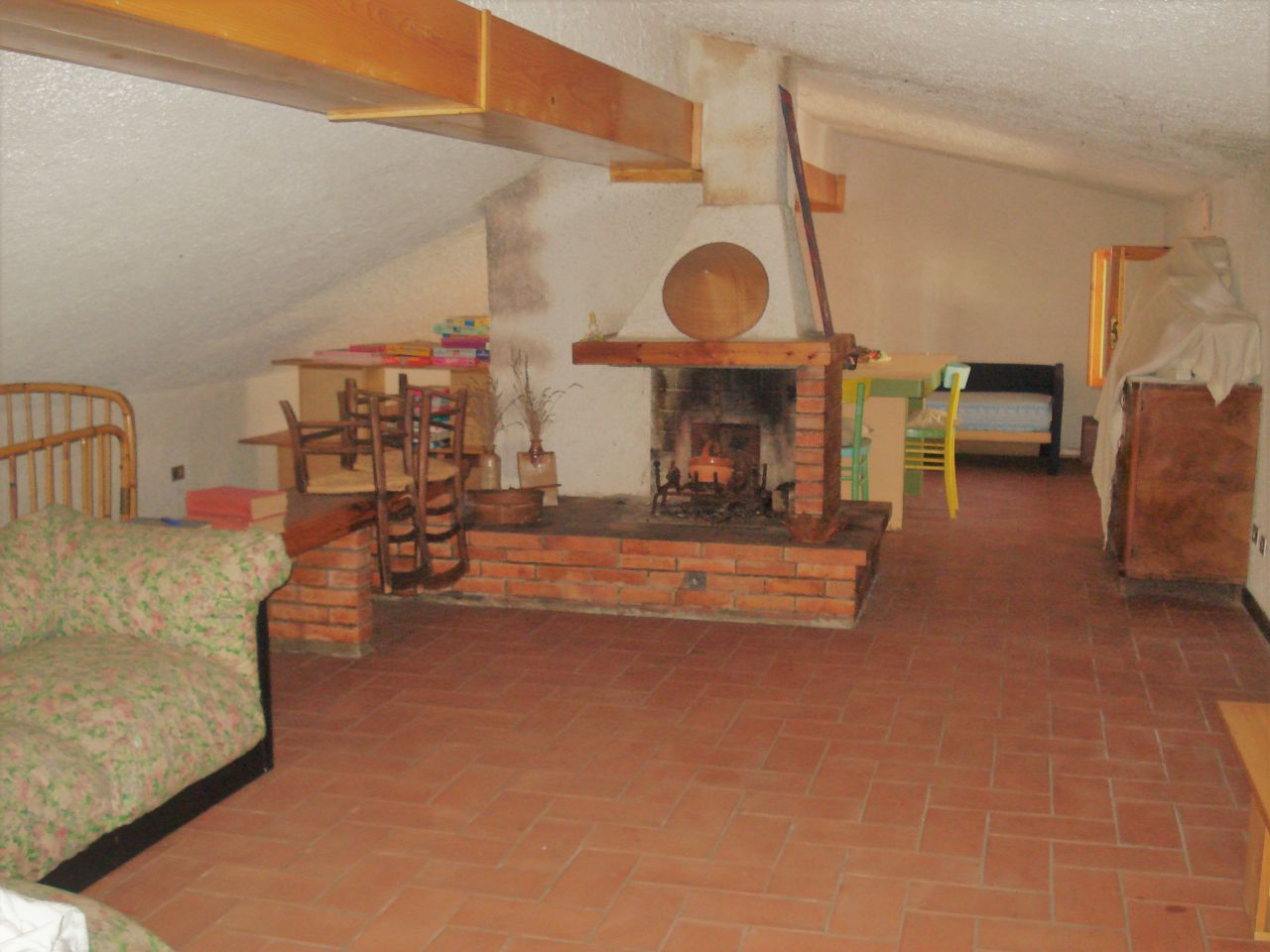 Soluzione Indipendente in vendita a Vernio, 6 locali, prezzo € 295.000 | CambioCasa.it