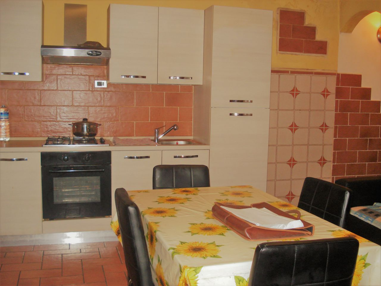 Appartamento da ristrutturare in vendita Rif. 8931326