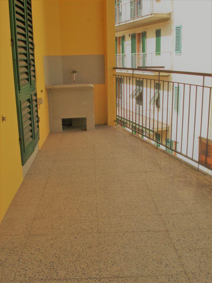 Appartamento in vendita a Vernio, 3 locali, zona Località: VERNIO, prezzo € 95.000 | Cambio Casa.it