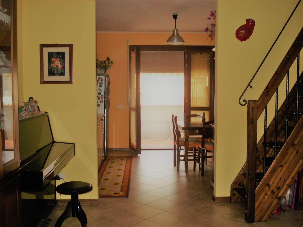 Appartamento in vendita a Cantagallo, 4 locali, Trattative riservate | CambioCasa.it