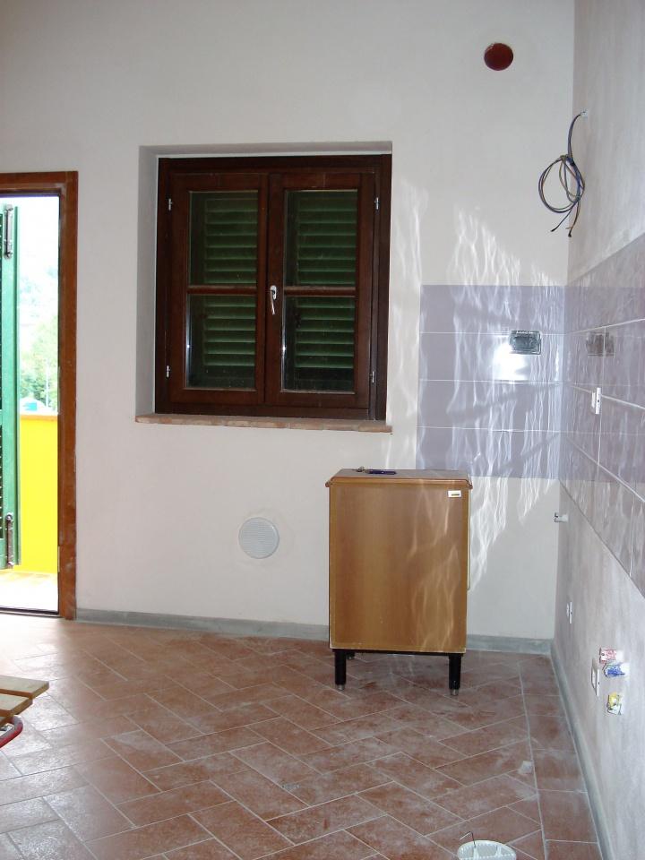 Soluzione Indipendente in affitto a Vaiano, 4 locali, prezzo € 550 | CambioCasa.it
