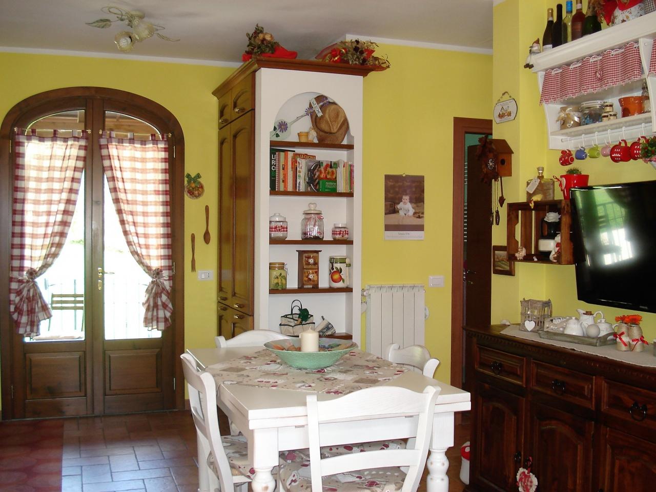 Soluzione Indipendente in vendita a Vernio, 4 locali, prezzo € 139.000 | CambioCasa.it