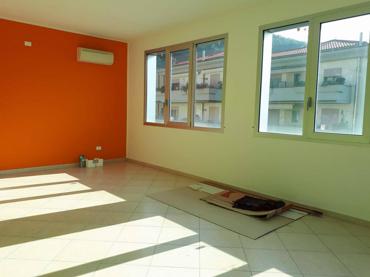 Ufficio / Studio in vendita a Cantagallo, 9999 locali, prezzo € 55.000 | CambioCasa.it