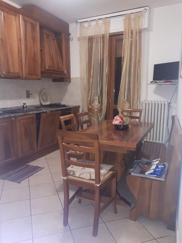 Appartamento in ottime condizioni arredato in affitto Rif. 8945120
