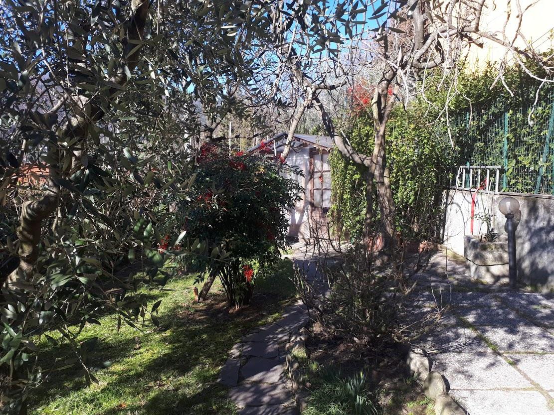 Villetta a schiera in buone condizioni in vendita Rif. 9636496