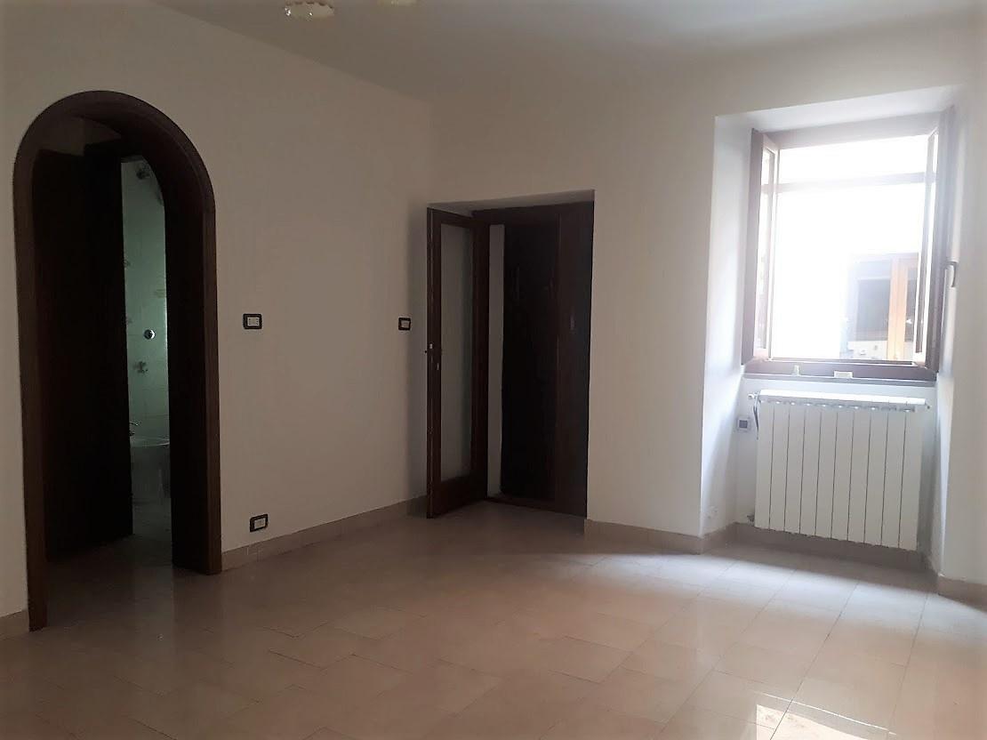 Casa Indipendente in buone condizioni in vendita Rif. 9901290