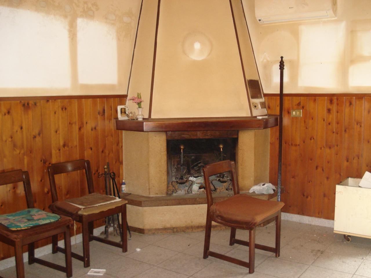 Casa Indipendente in discrete condizioni in vendita Rif. 11375244