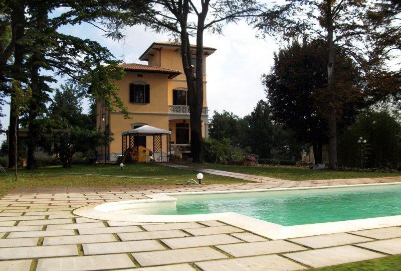 Rustico / Casale in vendita a Monte San Savino, 12 locali, zona Zona: Alberoro, Trattative riservate | Cambio Casa.it
