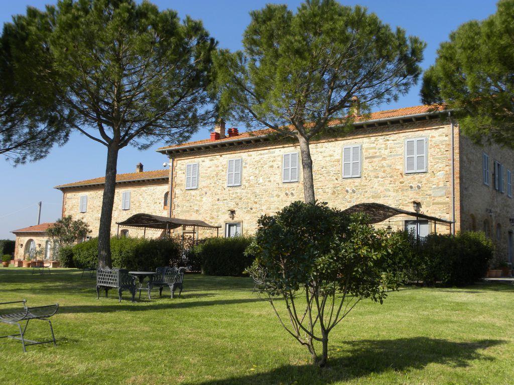 Rustico / Casale in vendita a Castiglion Fiorentino, 18 locali, zona Località: Castiglion Fiorentino, Trattative riservate | Cambio Casa.it