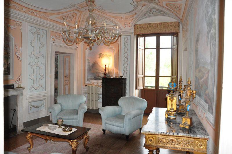 Palazzo / Stabile in vendita a Arezzo, 9999 locali, Trattative riservate | CambioCasa.it