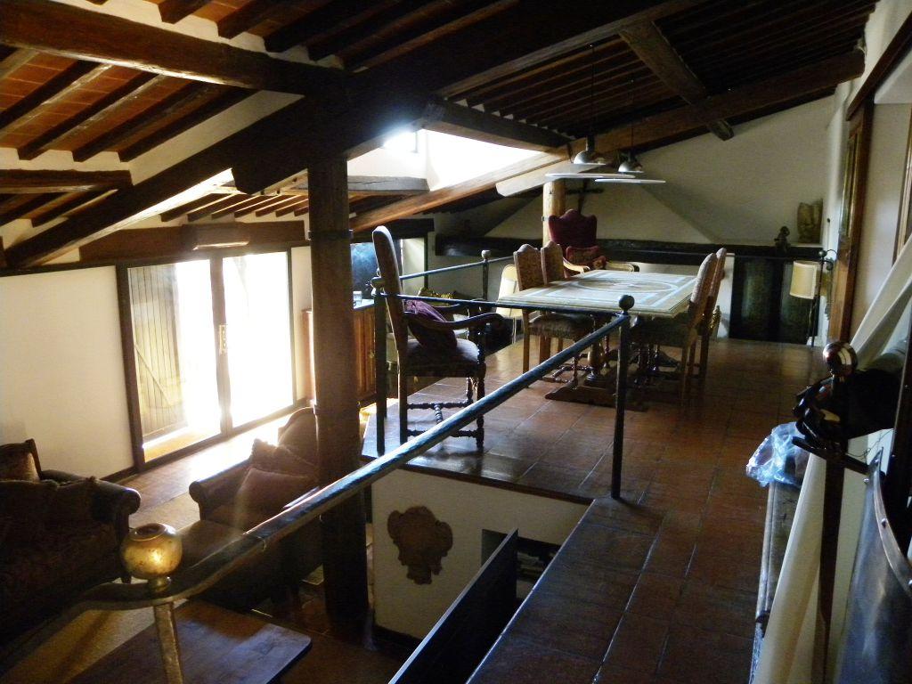 Villa in affitto a Arezzo, 7 locali, zona Località: SANTA FIRMINA / BAGNORO, prezzo € 1.300 | Cambio Casa.it