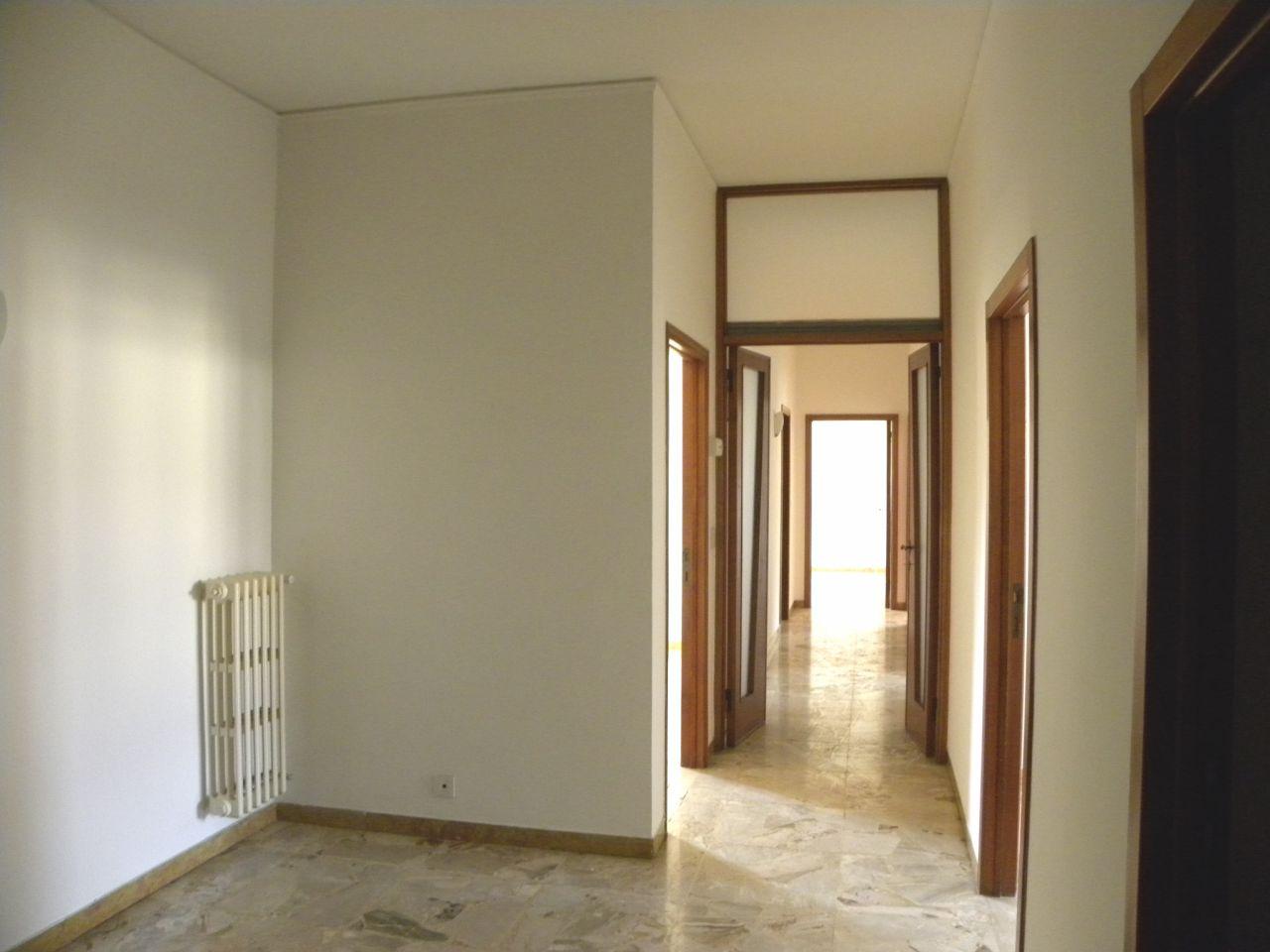 5 Locali in affitto - 120 mq