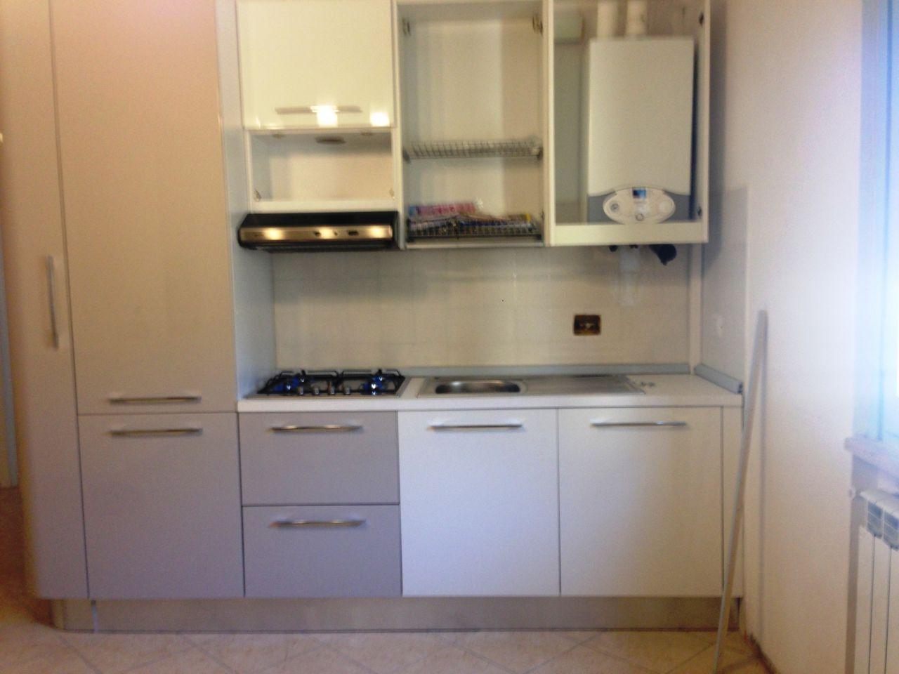 Appartamento in affitto a Arezzo, 4 locali, zona Località: VIA VITTORIO VENETO, prezzo € 470   Cambio Casa.it