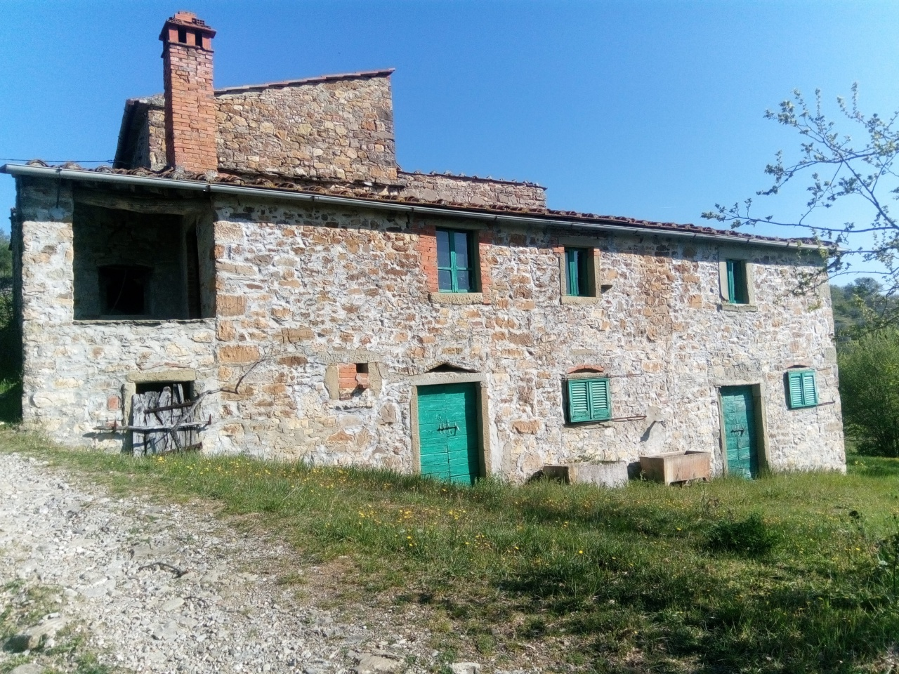 Rustico / Casale in vendita a Capolona, 7 locali, prezzo € 250.000   CambioCasa.it