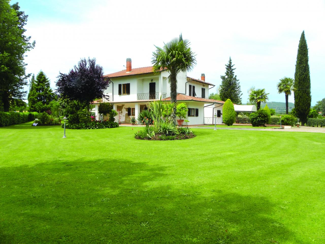 Villa in Vendita a Civitella in Val di Chiana