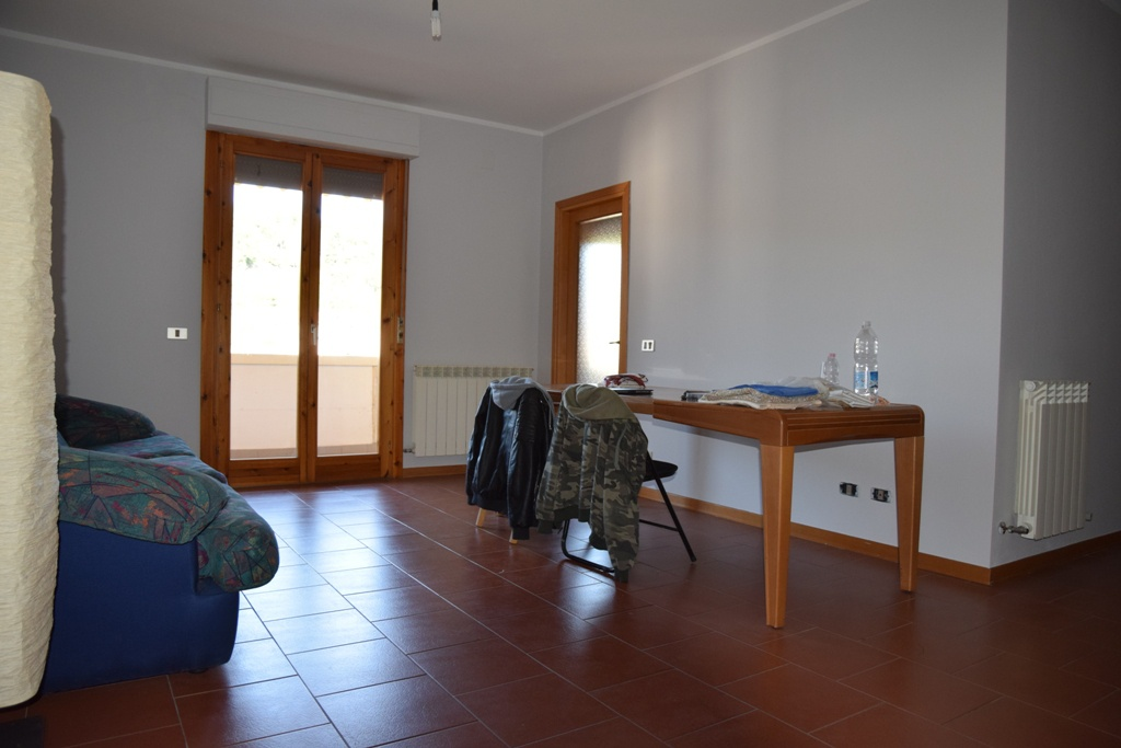Appartamento in vendita a Capolona, 5 locali, prezzo € 145.000 | CambioCasa.it