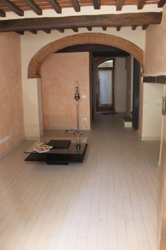 Soluzione Indipendente in affitto a Arezzo, 3 locali, prezzo € 600 | CambioCasa.it