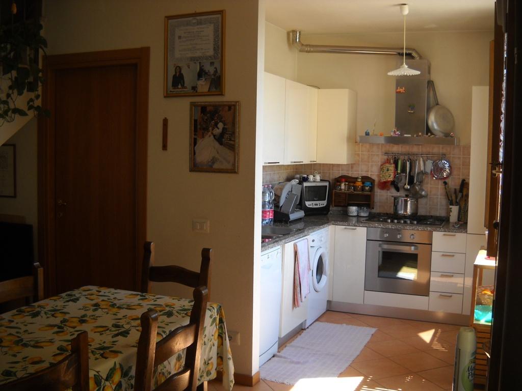 Appartamento in vendita a Monte San Savino, 3 locali, prezzo € 80.000 | CambioCasa.it