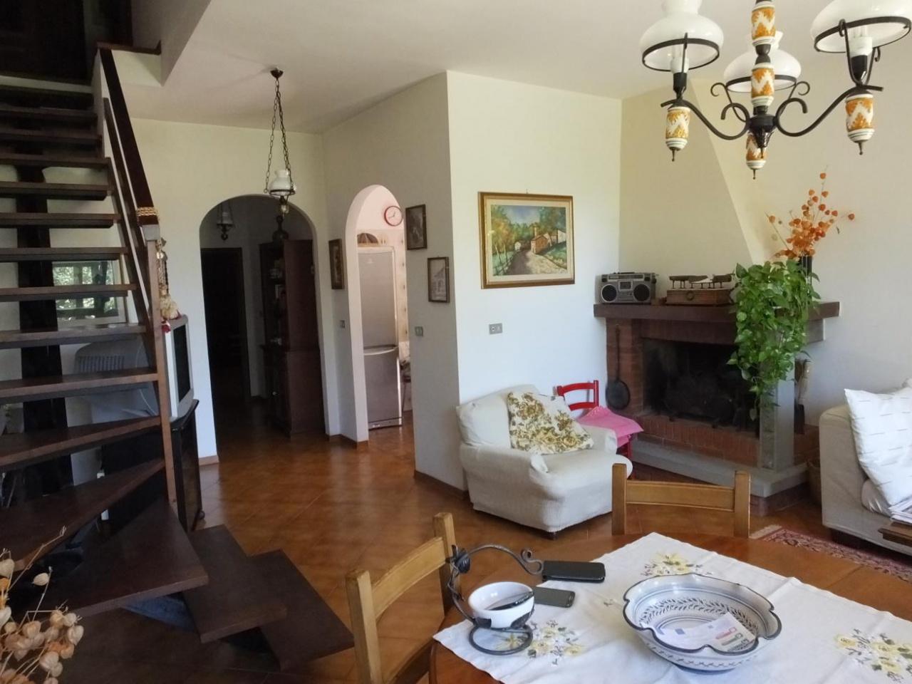 Soluzione Indipendente in vendita a Chiusi della Verna, 5 locali, prezzo € 160.000 | CambioCasa.it