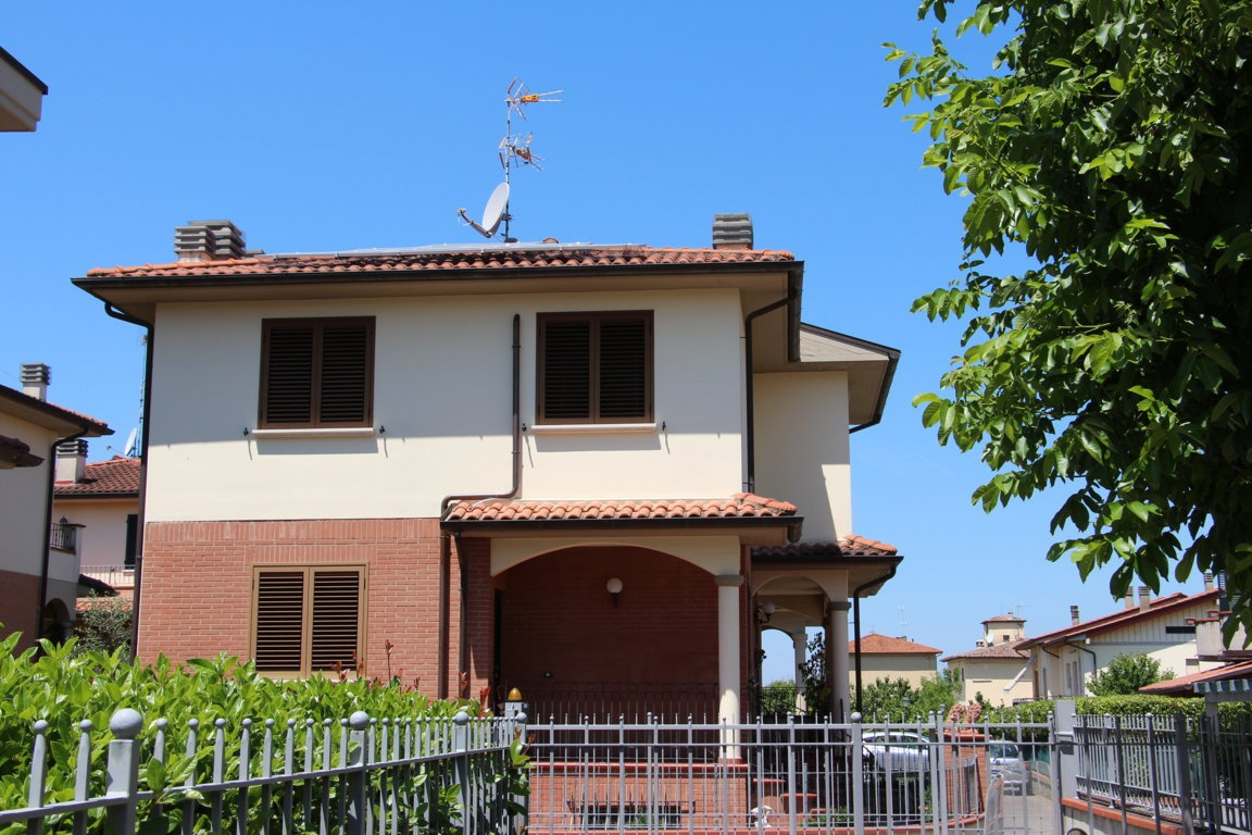 Villa in vendita a Arezzo (AR)
