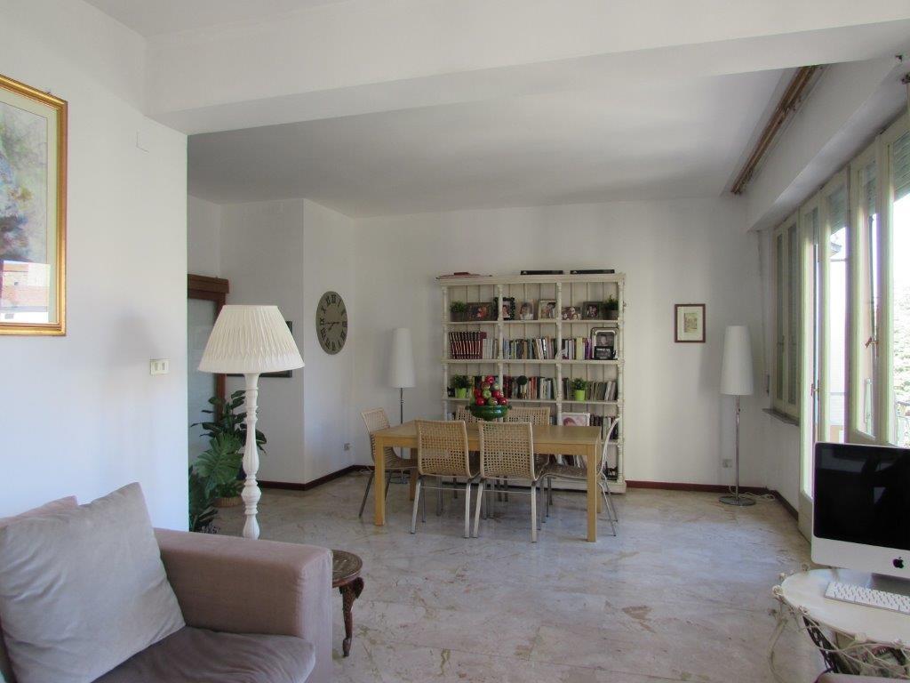 Appartamento in buone condizioni in affitto Rif. 9522984